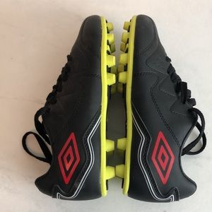 Umbro youth soccer cleats. Like new!